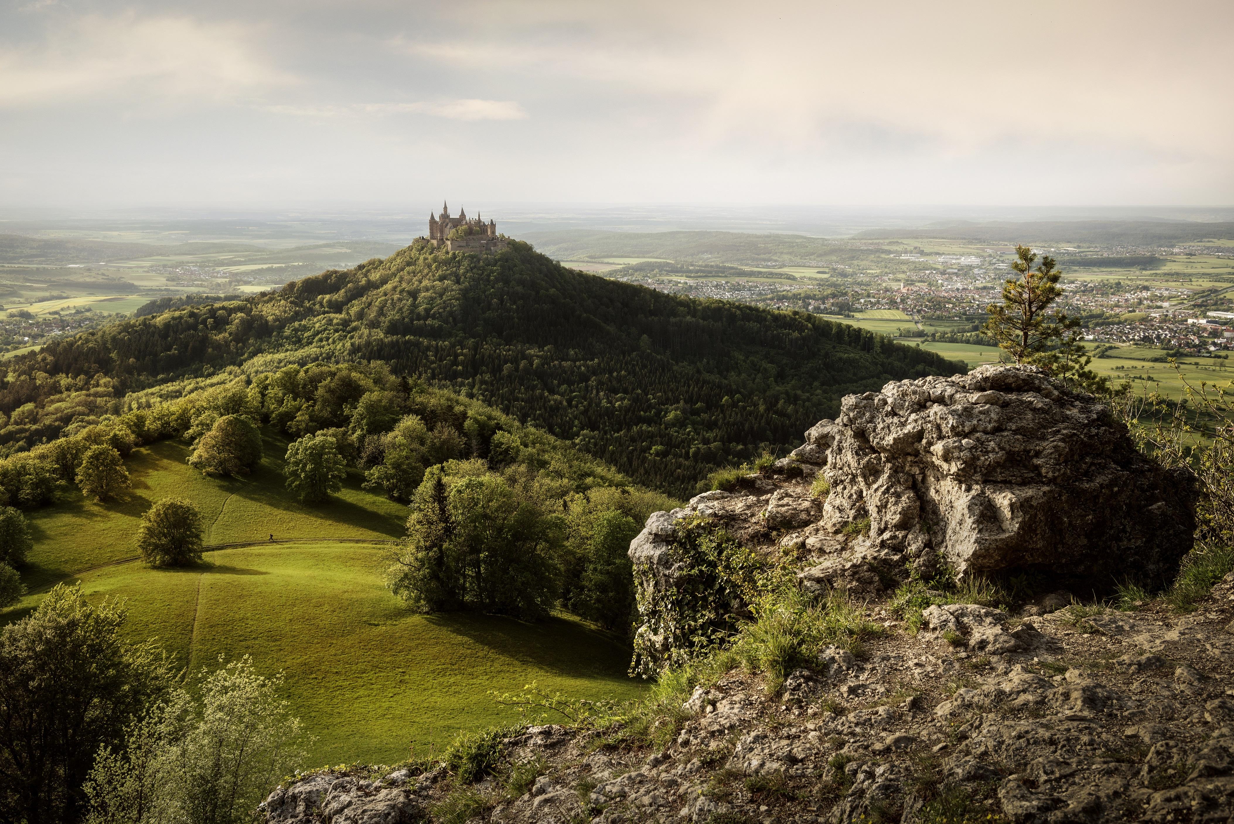 Blick Vom Zeller Horn Auf Burg Hohenzollern Querformat Tourismus Netzwerk Baden Wurttemberg