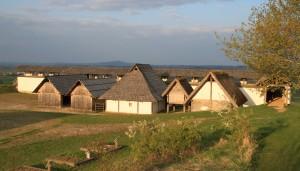 Rekonstruierte Häuser der Heuneburg, Foto: Gemeinde Herbertingen