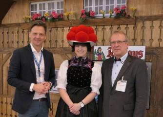 Hoher Besuch am Schwarzwaldstand am letzten Tag der ITB