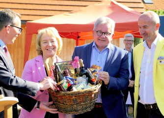 """Minister Wolf begeistert vom Angebot """"Natürlicher Dorfurlaub"""" im Schwarzwald"""